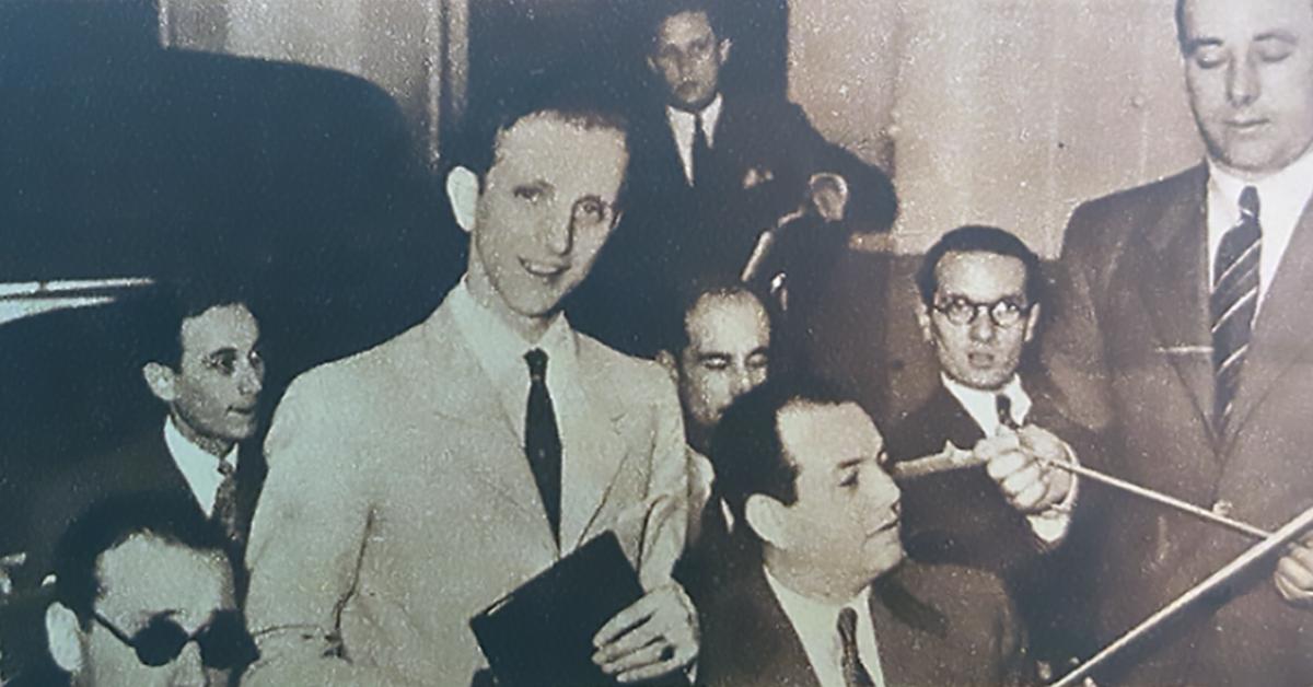 Alberto Amor, cantor de tango.