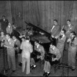 Juan D'Arienzo y su Orquesta Típica en el cabaret Chantecler