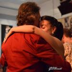 Marcelo Solis bailando tango con Lola en la milonga. Clases de Tango en la Escuela de Tango de Buenos Aires. Aprendé a bailarlo.
